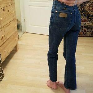 Vintage High Rise Wrangler Jeans Size 24